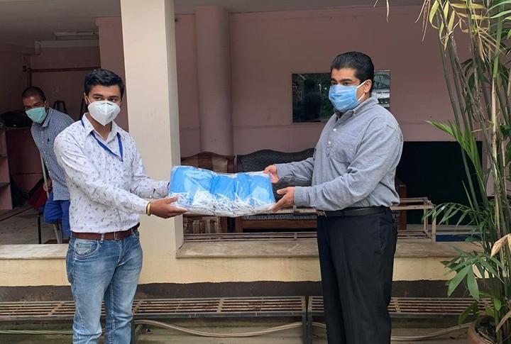 मकवानपुरका पत्रकारलाई सर्जिकल मास्क सहयोग